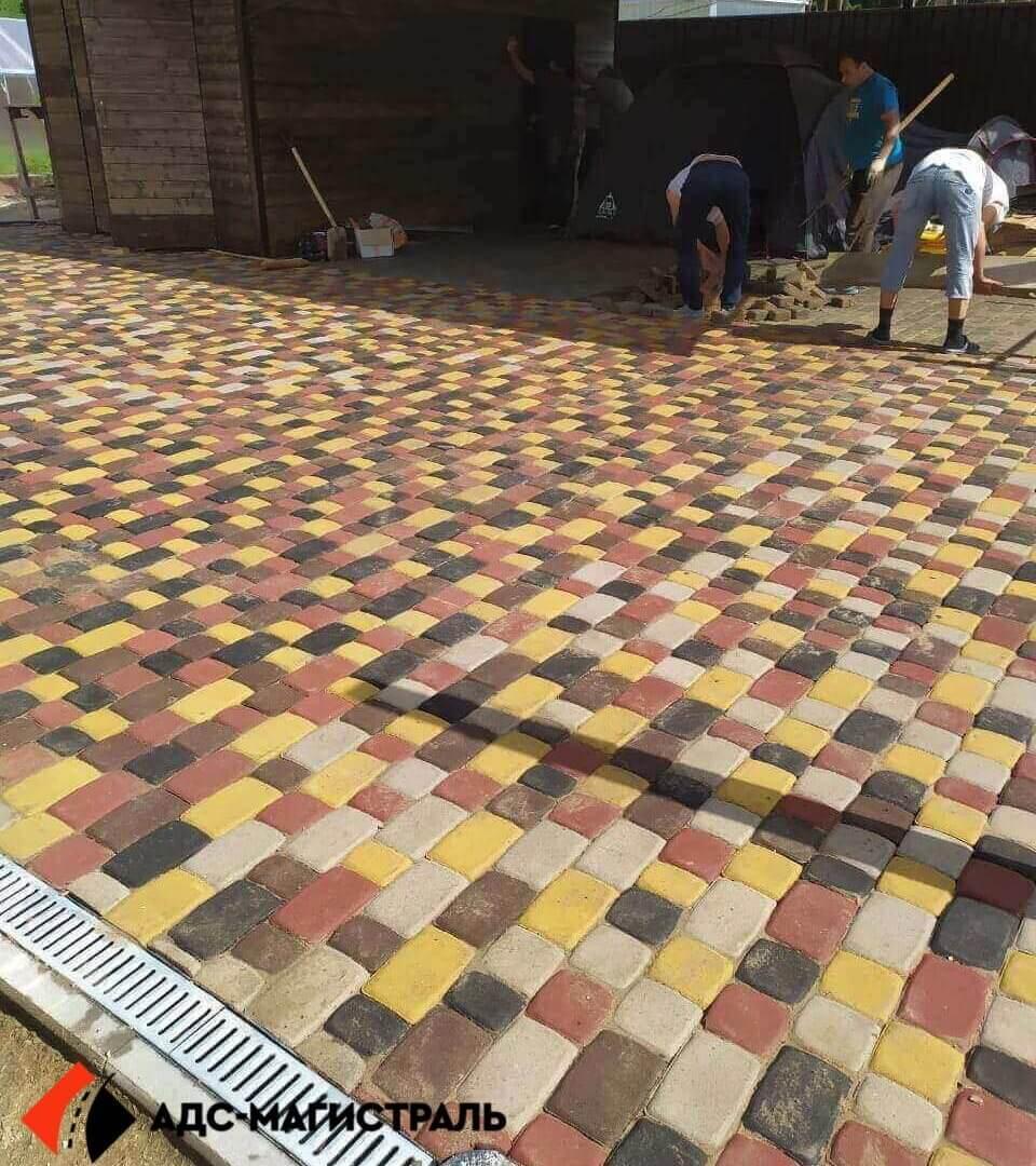 укладка тротуарной плитки посёлок Кирилловское фото 3