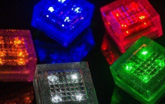 светодиодная плитка на солнечных батареях фото