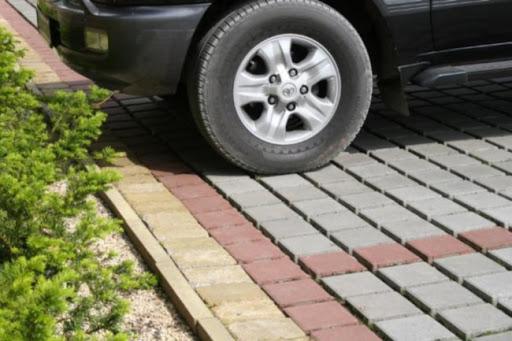 укладка парковки из плитки